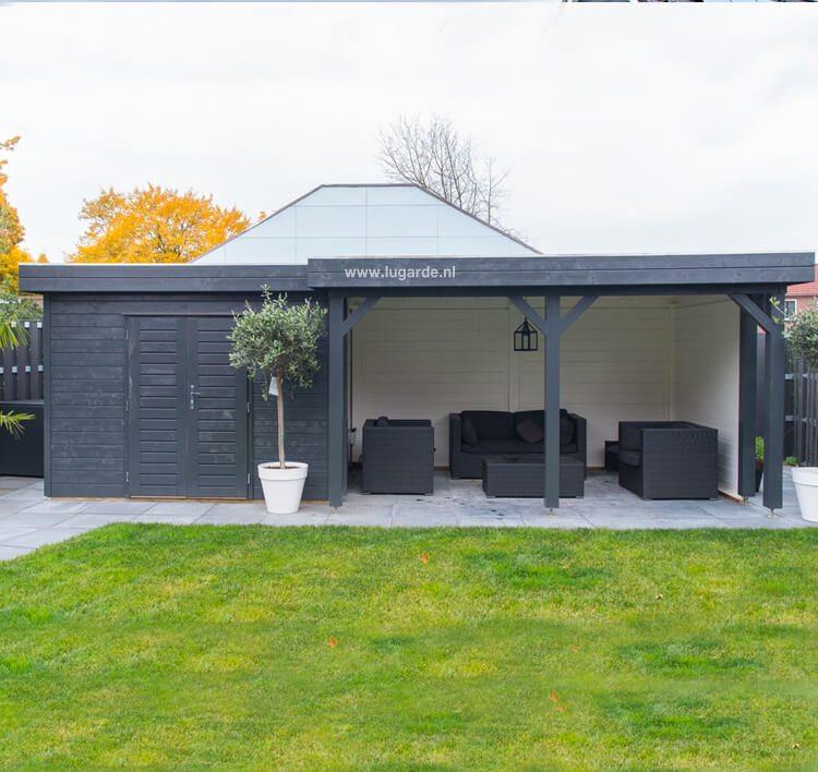 PR28 van Lugarde is een rechthoekig tuinhuis met een plat dak. Dit tuinhuis heeft aan de rechterkant een overkapping met veel ruimte.